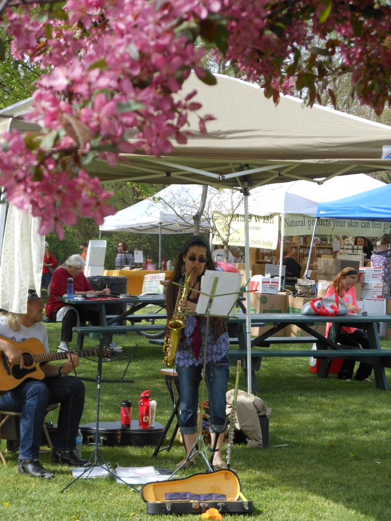 Wonderful acoustic musicians added the perfect accompaniment to our morning. Beautiful  crabapple trees in full bloom added to the magic of the day!